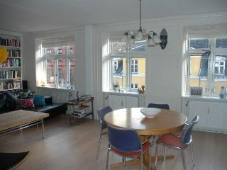 Large Copenhagen apartment in the heart of Noerrebro, Kopenhagen