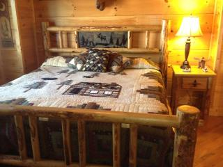 log king bed with Designer quilts
