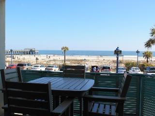 Sandpiper Condominiums - Unit 103 - FREE Wi-Fi - Ocean Front
