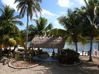 WATERFRONT PARADISE with PRIVATE DOCKAGE, Matecumbe Key