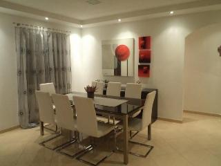 Vila Gea - modern and large at perfect location, Trogir
