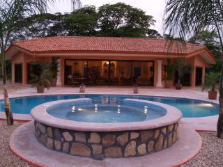 Luxurious Ocean View Villa, Isla Gitana