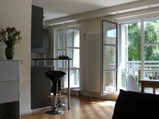 Modern Luxury Apartment Berlin at Checkpoint Charlie, Berlín