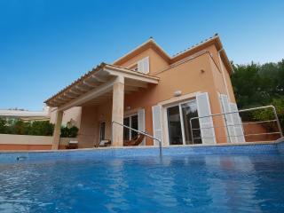 Villa Oliveres d'Alcanada, near sea and Golf, Alcudia