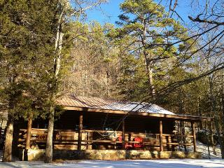 Cinnamon Valley - 'The Lake House', Eureka Springs