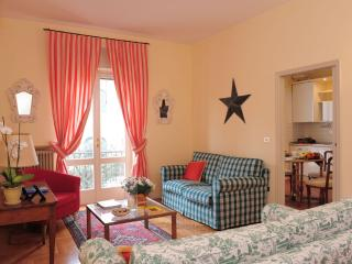 Cosy Apartment walking distance from centre, Lazise