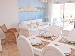 DELICIOUS elegant apartment with pool in Sitges