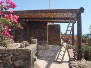 Autentico Dammuso Pantesco - antico Dammuso, Pantelleria
