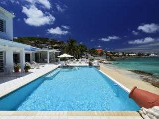 Ravishing 5 Bedroom Villa in Pelican Bay, Simpson Bay