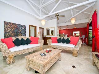 Villa Bohemia , 3 Br , 3.5 Bthrm , Wifi , Ac, Pool, Seminyak
