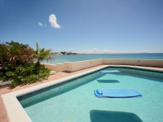 Terrific 5 Bedroom Waterfront Villa in Beacon Hill, St. Maarten/St. Martin