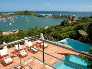 4 Bedroom Villa Overlooking the Ocean in Oyster Pond