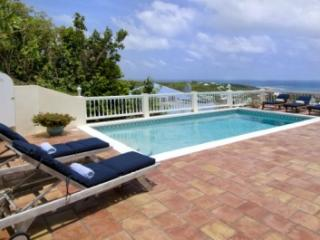 Lovely 3 Bedroom Villa overlooking Oyster Pond & Dawn Beach, Philipsburg