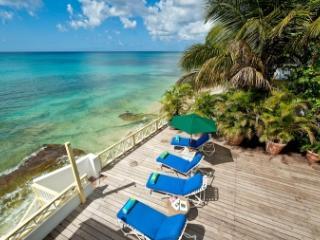 3 Bedroom House Overlooking the Caribbean Sea in Mullins Bay