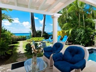 3 Bedroom Beachfront Townhouse in St. James, Paynes Bay