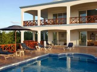5 Bedroom Villa overlooking the Ocean in Shoal Bay Village