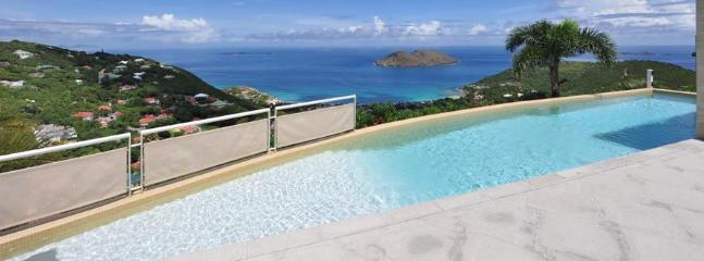 3 Bedroom Villa with Private Swimming Pool & Jacuzzi in Colombier, Anse des Flamands