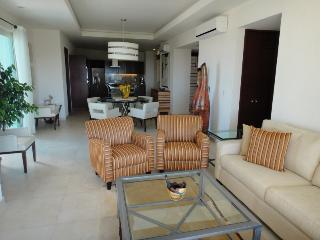 Spectacular 2 BR/ 3Bath Penthouse Condo in Old Town!, Puerto Vallarta