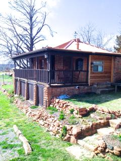 Perched on Mt. Dunbar, Wrap-around Porch and Private Mountain trail!