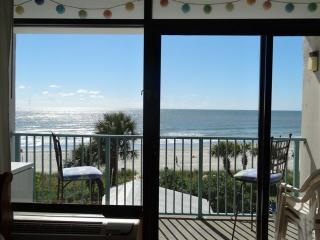 Ocean Front Condo in Myrtle Beach sleeps 5