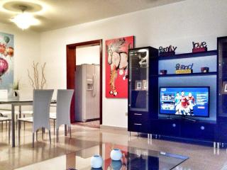 4BR/3B Suite I in Condado, Puerto Rico - WARM & SUNNY with ELECTRICITY 24/7