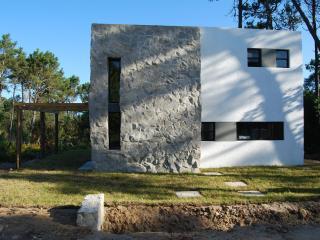 Casa Piedra-modern guest house, La Pedrera
