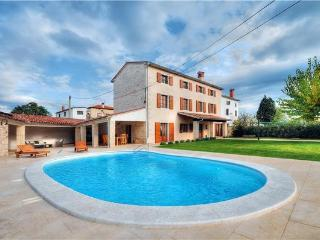 5 bedroom Villa in Bale, Istria, Croatia : ref 2233331, Golas