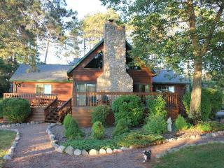 Northwoods Retreat - Main Lodge Cabin, Manitowish Waters