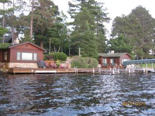 Northwoods Retreat - Lakeside Cabins, Manitowish Waters