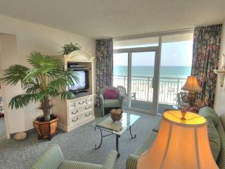 Lovely Camelot Condo Conveniently Located by the Beach