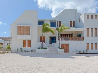 Incredible 6 Bedroom Villa with View in Long Path, Anguila