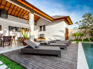 ECHO BEACH VILLA 2, Best value Beach Villa !
