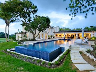 Casablanca, Sandy Lane - Ideal for Couples and Families, Beautiful Pool and Beach