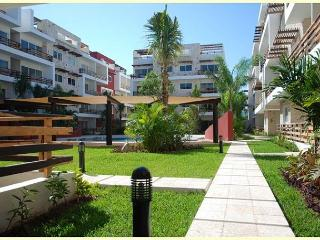 BEAUTIFUL & SPACIOUS APARTMENT, 5TH AVE / GYM / AMAZING POOL / JACUZZI, Playa del Carmen