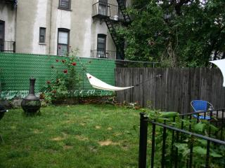 Large, Comfortable Garden Duplex w/Pkg in Willburg, Brooklyn
