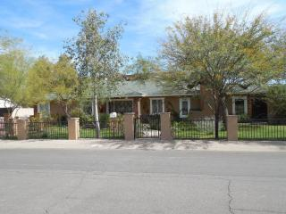 Spacious, Spotless Home In The Heart Of Scottsdale