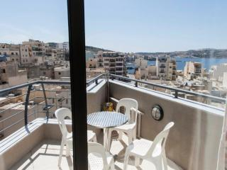 Sea View Modern Central Apartment - Free WIFI
