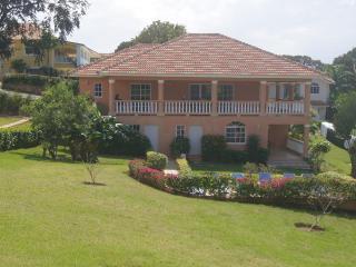 3 Bedroom Villa walking distance to downtown, Sosua