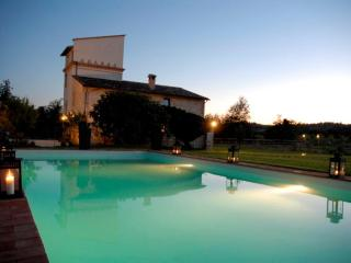 villa for 8 guests near to Todi