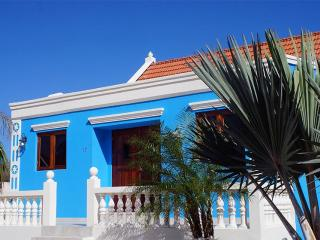 Aruba Cunucu house with pool 3 bed - 2 bath, Oranjestad