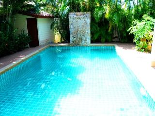 2 BR - Private pool big huge villa in Naiharn, Sao Hai