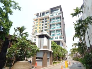 The Shine, new 4 star condo, Chiang Mai