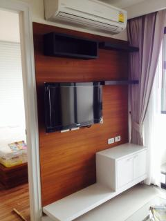 Tv and air con