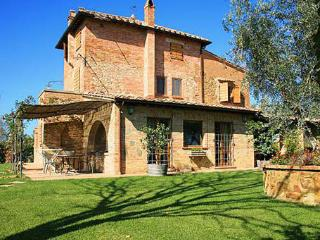 3 bedroom Villa in Montepulciano, Tuscany, Italy : ref 5477167