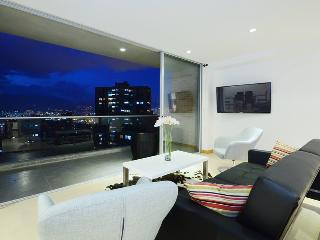 European-style luxury apartment with swimming pool, Medellín