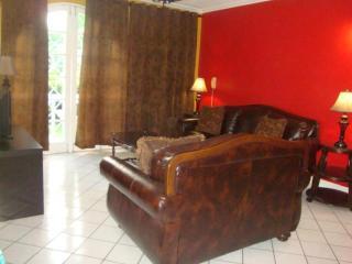 Executive 1 bedroom apt., Kingston