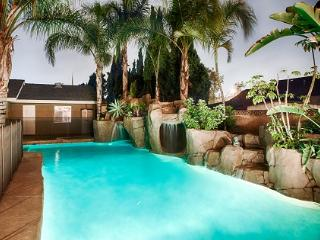 *Disney Themed, Rock-slide Pool, Mini Golf, Anaheim