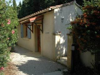 Le Cabanon-studio, 10min from Avignon, Rognonas
