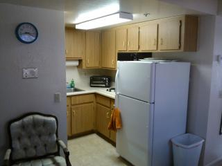 splashy 1 bedroomcondo next to SUNCITIESinsurprise