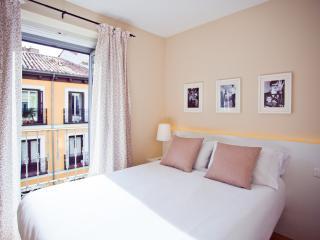 Bright Spacious Family Apartment, Madrid